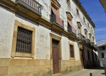 La Casa Grande de Cilleros, un palacio construido por amor