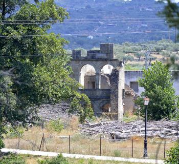 Colegio abandonado de San Fabián o del Río