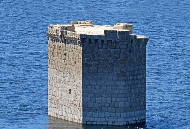 El Castillo de Rocafrida o Floripes, una fortaleza templaria sumergida bajo el agua
